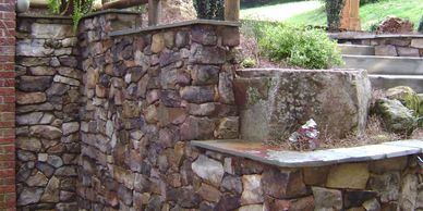 retaining wall made with stone