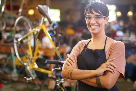 Senior mechanic at Island City Bikes