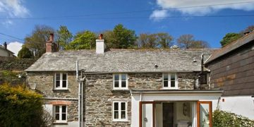 Ivy Cottage in Boscastle. Self catering accommodation property in Cornwall.