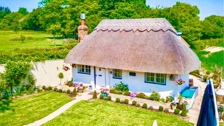 Beautiful Brittons Hill Cottage
