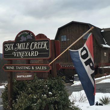 Picture of the sign of Six Mile Creek Vineyard