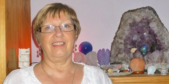 Fiona Balaban, Sheffield, holistic therapy, spiritual healing, crystal healing, holistic therapist