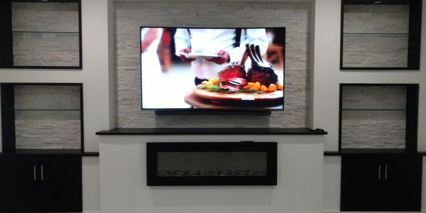 "Samsung 80"" Curve TV with Sound Bar"