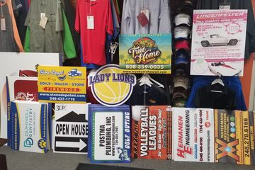 Yard signs for school events, companies and golf outings