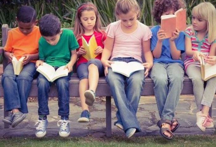 Children reading .