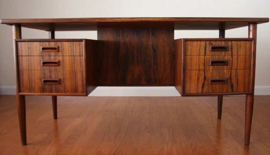 Danish Rosewood Floating op Desk