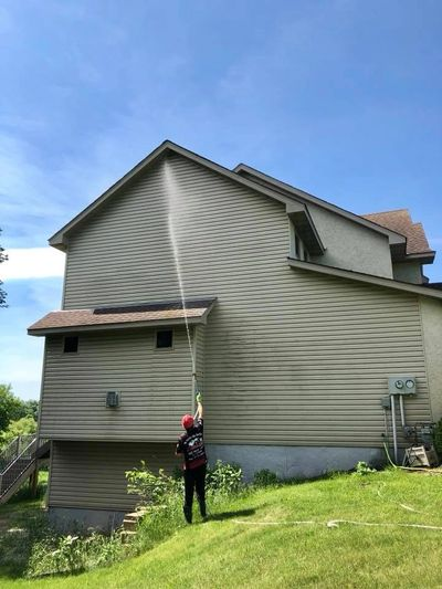 Vinyl Siding Soft Washing, House Washing, Exterior Cleaning, Algae Removal in Minnesota
