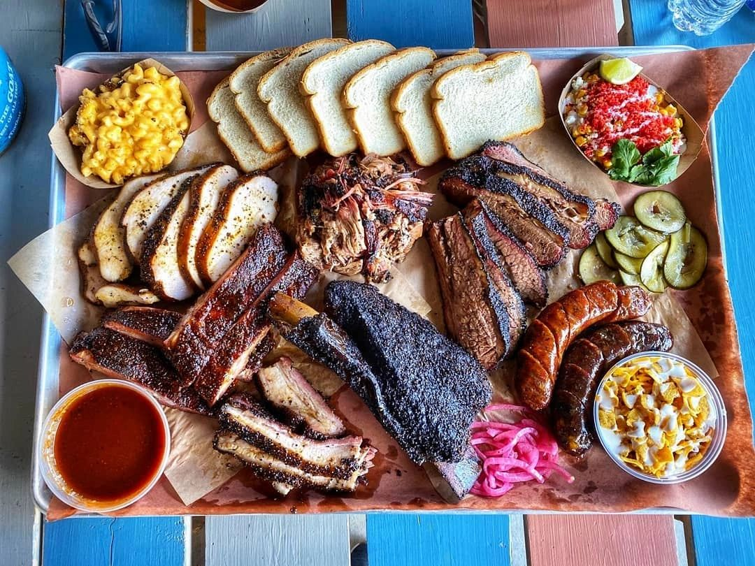 texas barbeque brisket bbq craft mac ribs beans turkey platter dayne's craft barbecue fort worth tx