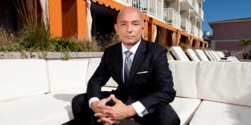 Anthony Melchiorri of Hotel Impossible, backs the Bed Phrame Lift