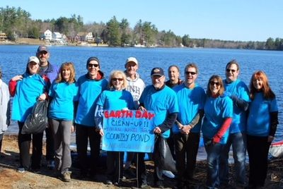 Earth Day 2018 Clean Up Crew at the Newton Boat Ramp