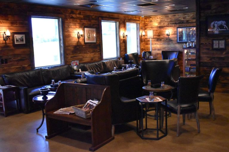 Legends Cigar & Vape Ruston LA Rum, Cigars, Lounge, Basketball, Party, Food, Rustic, Humidor,