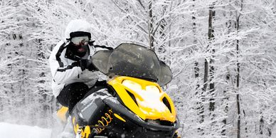 Manistee county, Onekama Michigan snowmobiling. Snowmobile Trails. Lodging. Hotel Motel Rentals.