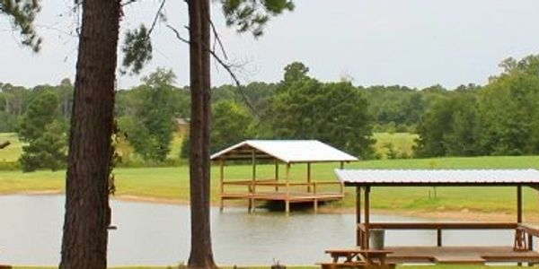(Tracts1,1A,2,2A,3)-(20182716)-This beautiful 28.82 acre tract, situated in Lake Country Resort Prop