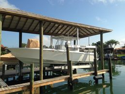 Boat lift inspections.    Contact us: info@stresslesshi.com 352-501-0147