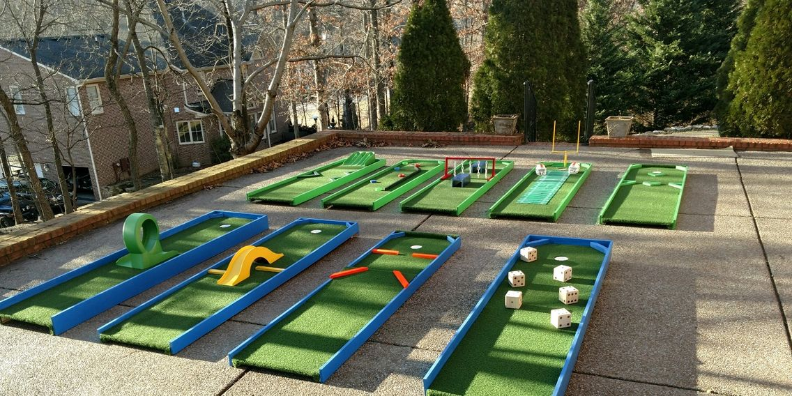 Mini Golf Rental in Nashville TN from ww w.bouncehouserentalsnashvilletn.com 27 holes of mini golf