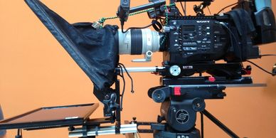 15mm teleprompter mounted below camer