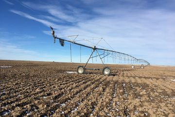 712 acres for sale with 577 pivot irrigated acres south of Morrill, Nebraska.
