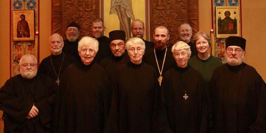 group photo of monks and nuns