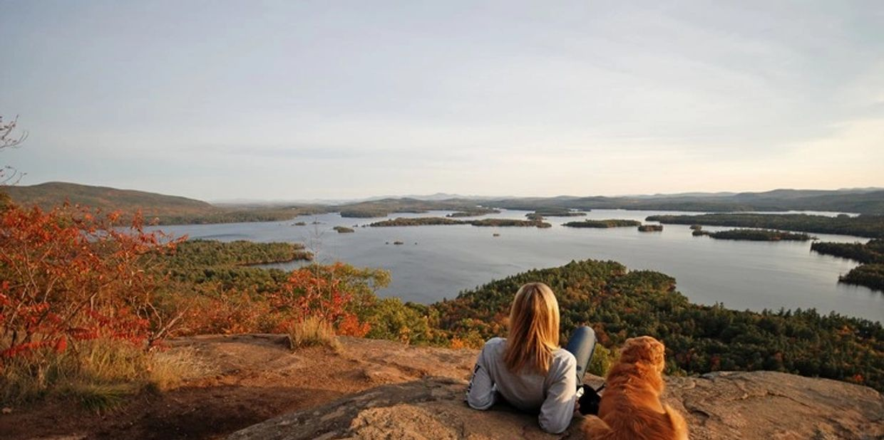 Hiking, Dogs, Vista, View, Fall Foliage, Peaceful, Cabin, Cottage Rentals near Lake Winnipesaukee