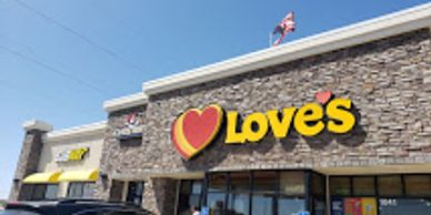 Exterior of Love's Travel Stop at Exit 374 on I-84 in Ontario, Oregon