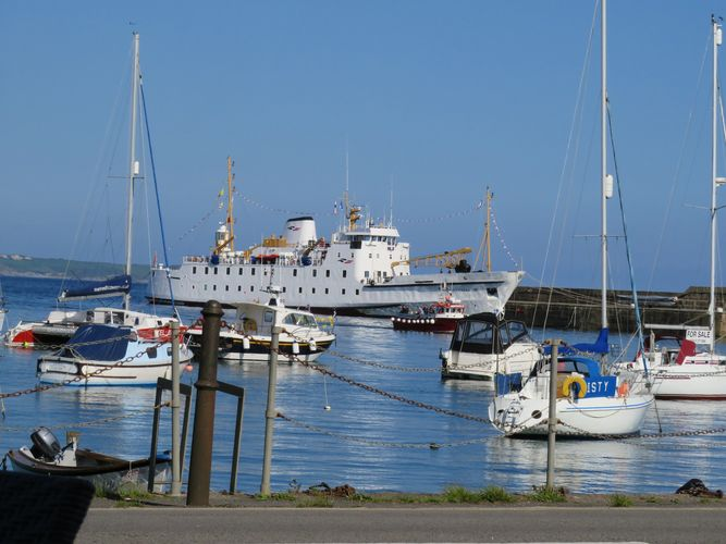 Scillonian  III photographed from The Old Lifeboat House Bistro.
