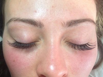 A nice light set of volume lashes