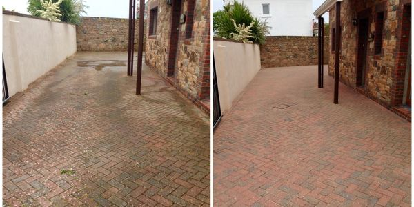 MossWash - Block Paving before and after pressure washing and re-sanding with kiln dried sand