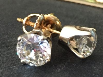 Jewelry is one of our passions. We have a specialty jewelry appraiser on staff  for your needs.