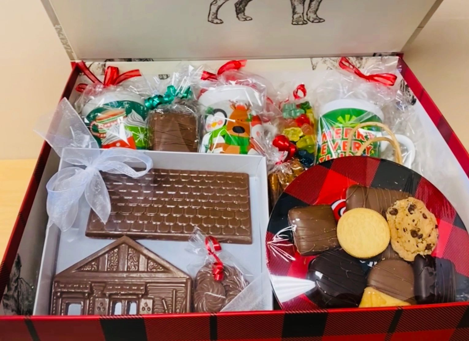 HOME FOR THE HOLIDAYS GIFT BOX