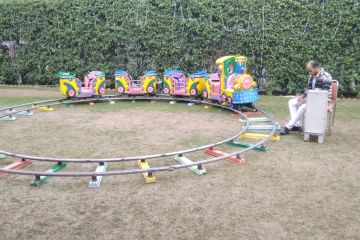 toy train in birthday party planner game