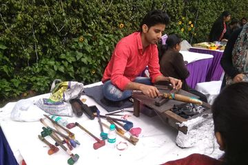 bangle maker highly demanded by woman in corporate party events