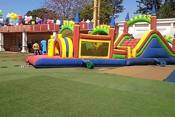 Big bouncy in mostly used in school & corporate family events in party setups
