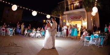 30A gallery wedding, gallery on 30A wedding dj, Fine art gallery wedding, dj for fine art gallery