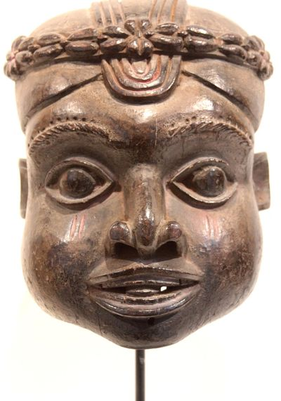 Bamileke Head, Cameroon.  Merton Simpson Gallery; Private Collector, Miami, Florida.