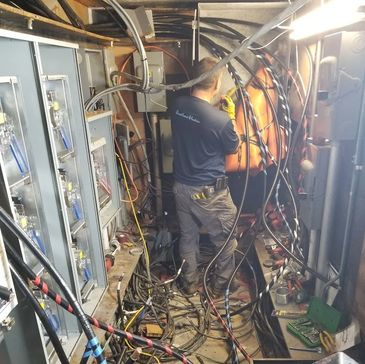 Electrical Repairs, Electrical service, Electrical panel, wiring, commercial electrician, emergency