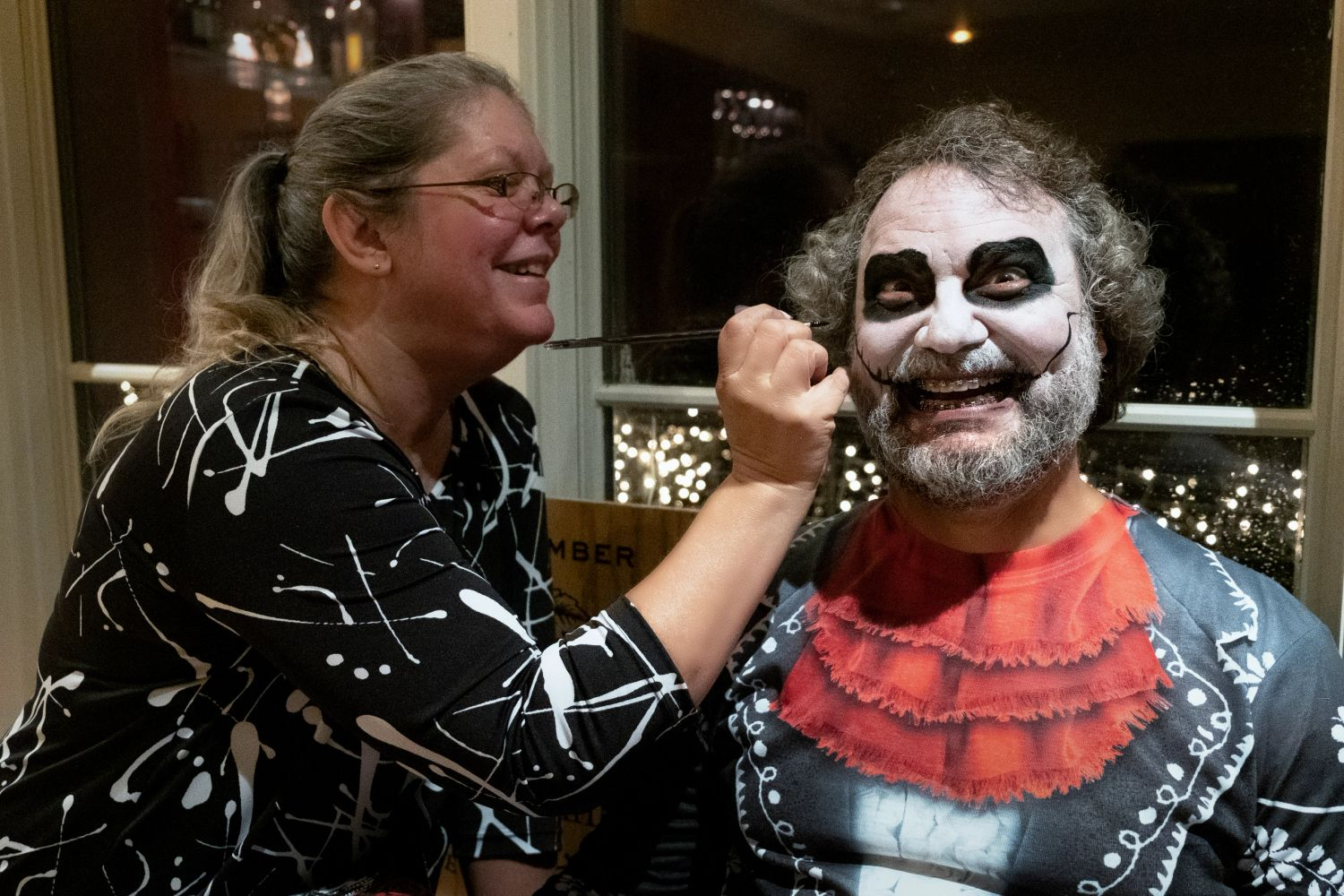 Dia de Los Muertos Face painting for Glass house Winery