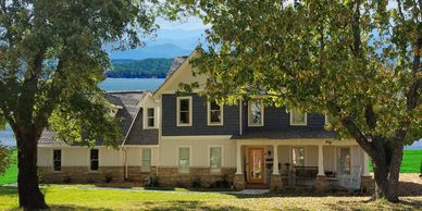 Beautiful Craftsman Home Bonet XII with Side Garage with Lake Keowee and Mountains Background