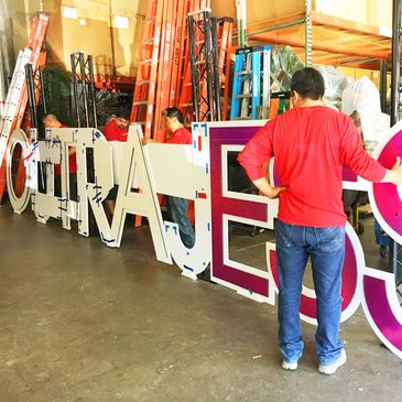 bat mitzvah set-up crew, bar mitzvah decor, party, event, install, large prop glitter letters,Dallas
