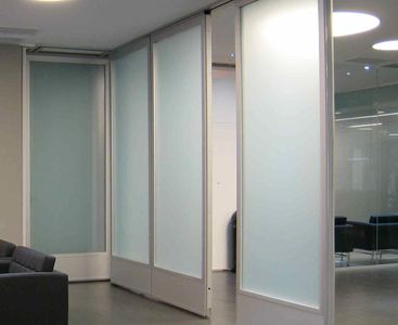 Sliding Reconfigurable Glass Partitioning