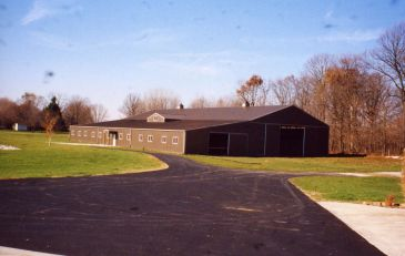 Four willows has an indoor and outdoor arena for lessons and showing