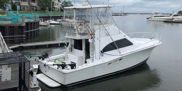 2000 Luhrs 36 First In Racine Fishing Charter