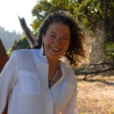 Dr. Rosie Kuhn is a preeminent thought leader in the field of Transformational Coaching. Her passion