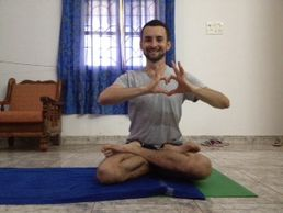 Evgeny Fedosov in Goa, India, 2014. Nice padmasana, Jack! More love!