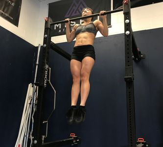 CrossFit Gymnastics program pull-up example.