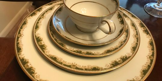 Gorgeous china, when marketed properly will sell very well!