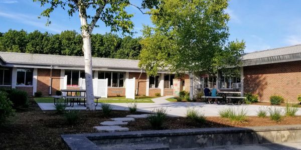Francis Drake Elementary School - Frances Drake Courtyard Project 2019