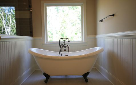 Claw foot tub master bathroom custom home builder licensed in Georgia