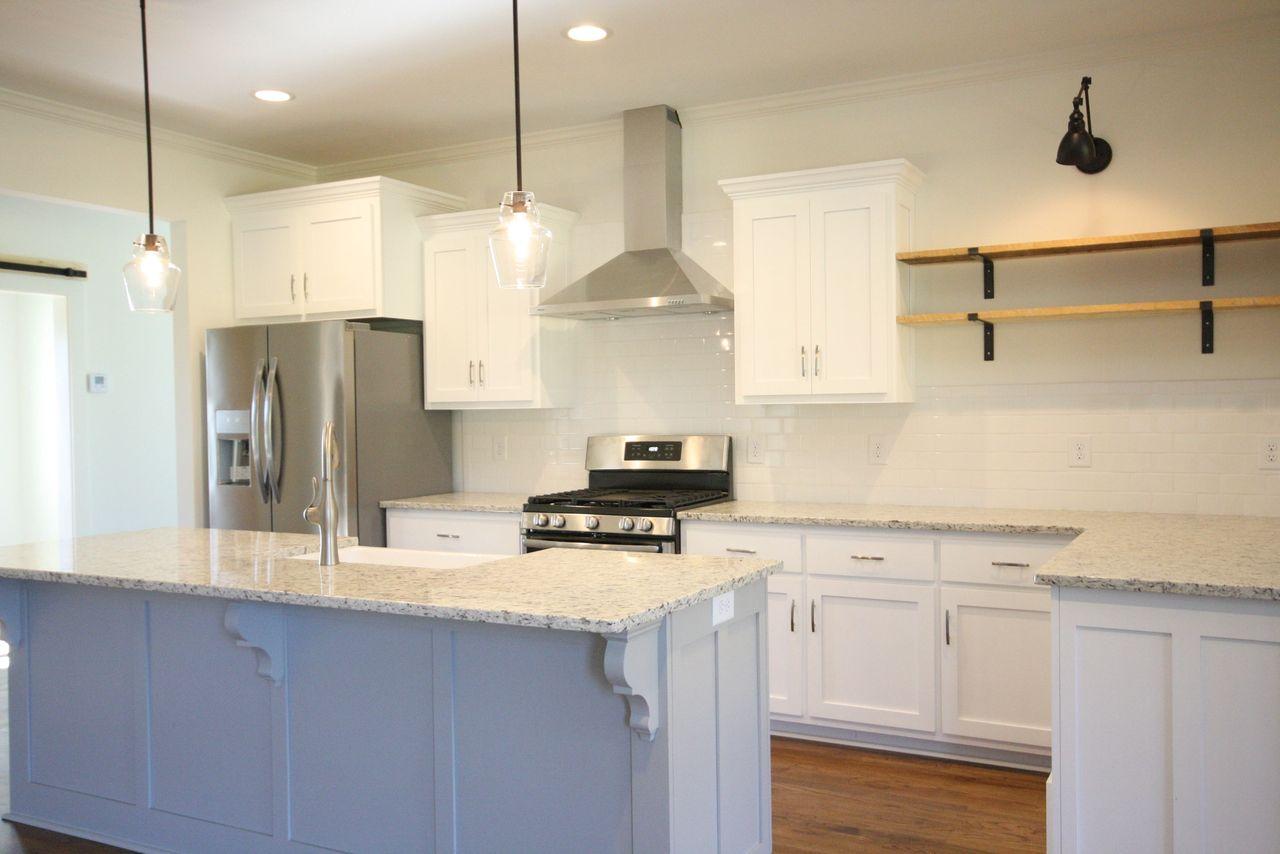 4 design elements to create your modern farmhouse kitchen