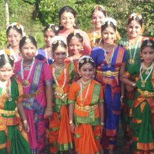 Students of Naatiya Samarpanam Academy of Dance
