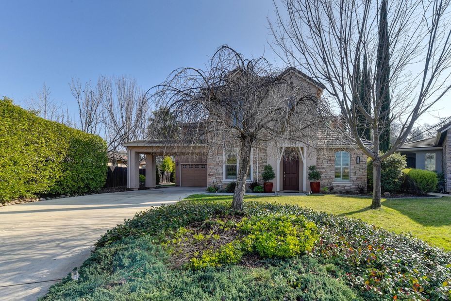 home for sale in folsom, 4-5 bedroom, 3 bathrooms, folsom school district, american river canyon